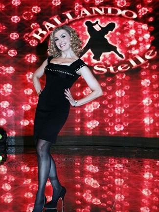 milly-carlucci-ballando-con-le-stelle_325x435