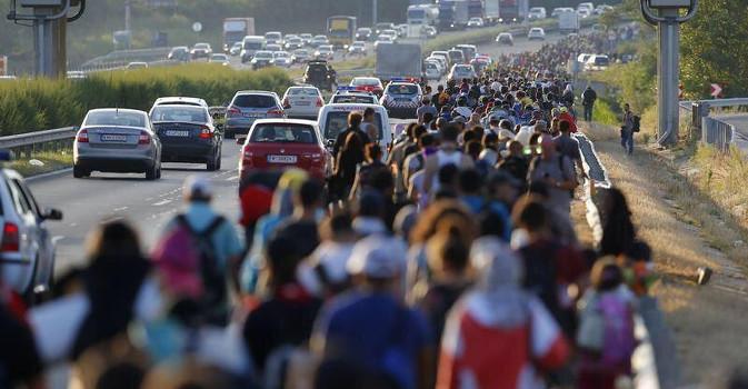 immigrati-autostrada
